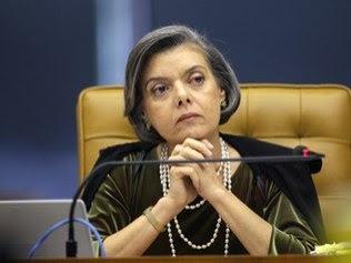 Justiça Eleitoral está pronta para o plebiscito, diz presidente do TSE.