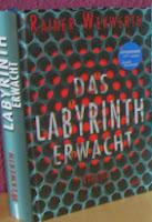http://sarahsbuecherwelt.blogspot.com/2013/03/rezension-zu-das-labyrinth-erwacht-von.html