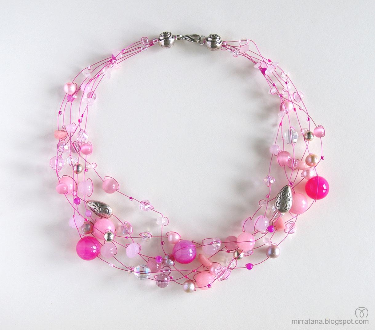 Розовое колье своими руками