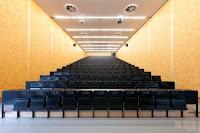 12-Lecture-Hall-by-Deubzer-König-Rimmel-Architekten