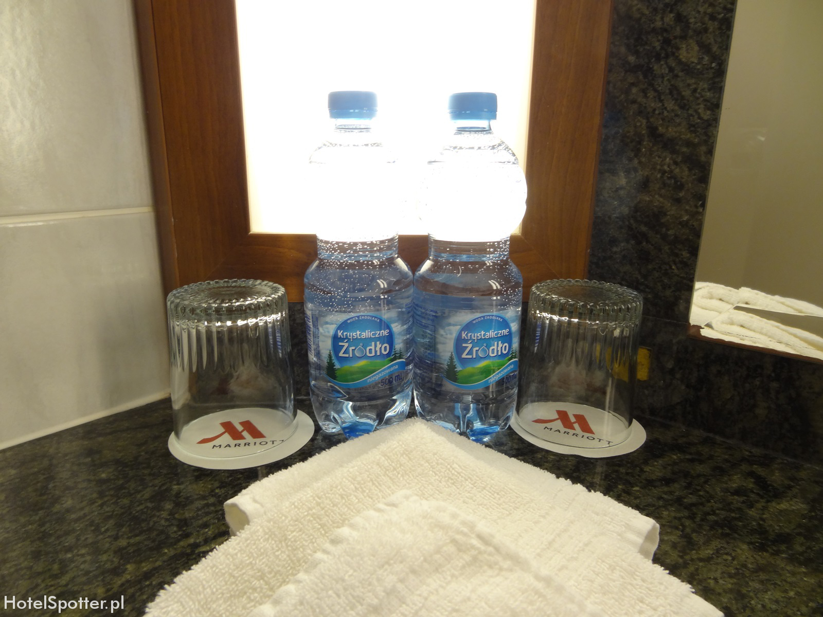 Hotel Marriott Warszawa - darmowa woda