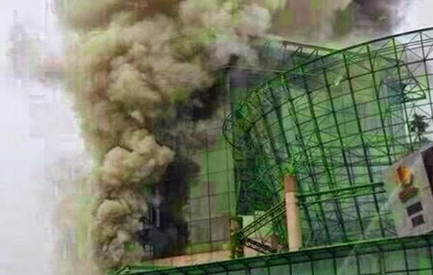 Medan Selera Pusat Membeli-belah One Utama Terbakar