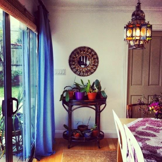 تصميمات رائعه لغرف المعيشه المغربيه  Exquisite-moroccan-dining-room-designs-17-554x554