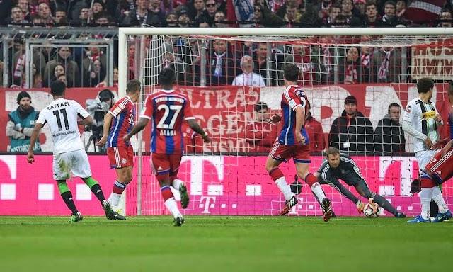 Com frango de Neuer, Bayern perde segunda na Bundesliga.