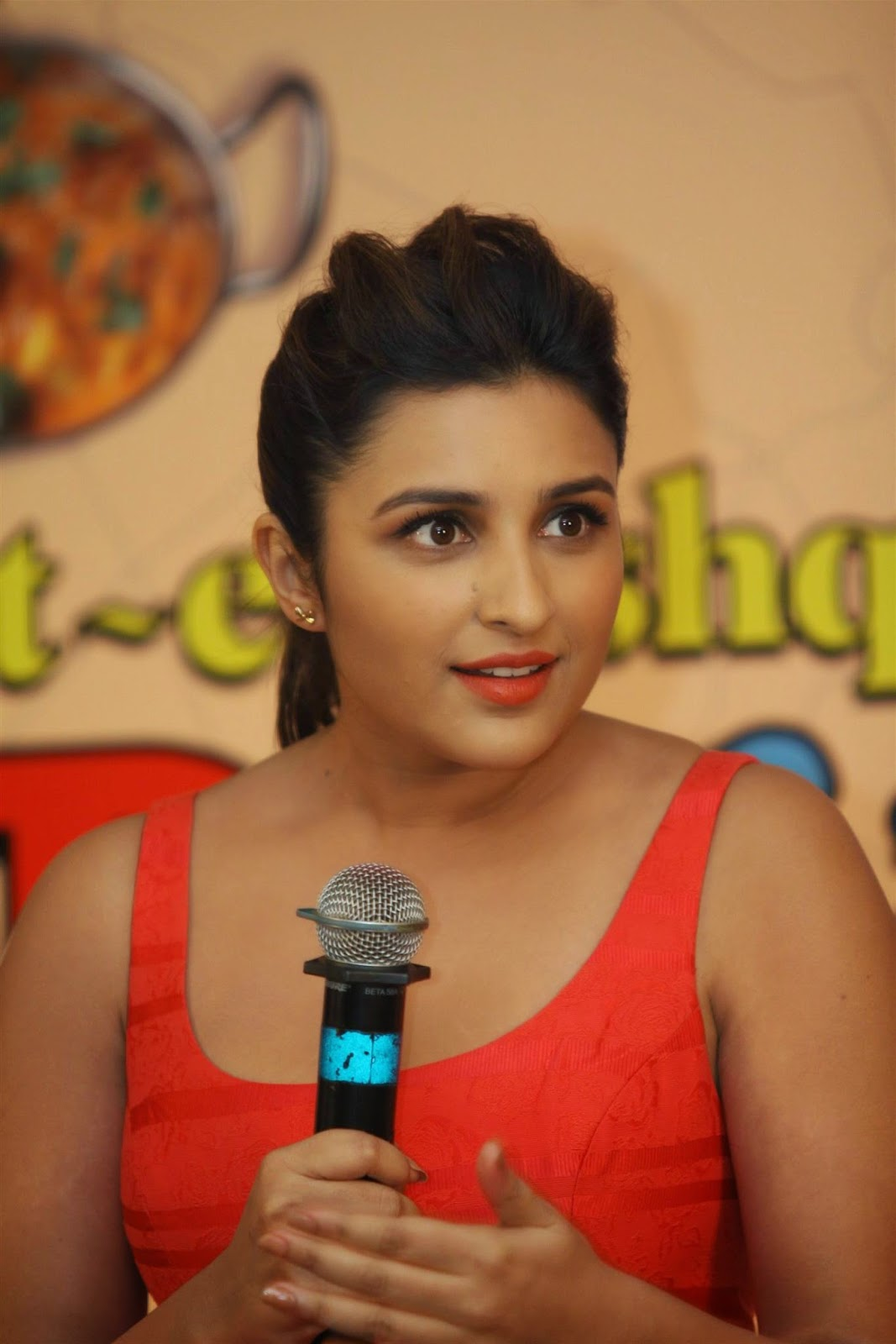 Parineeti Chopra Sexy Cleavage and Legs Show In Red Dress At Film ...