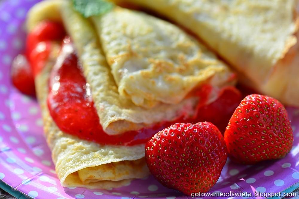 Naleśniki mascarpone i z truskawkami