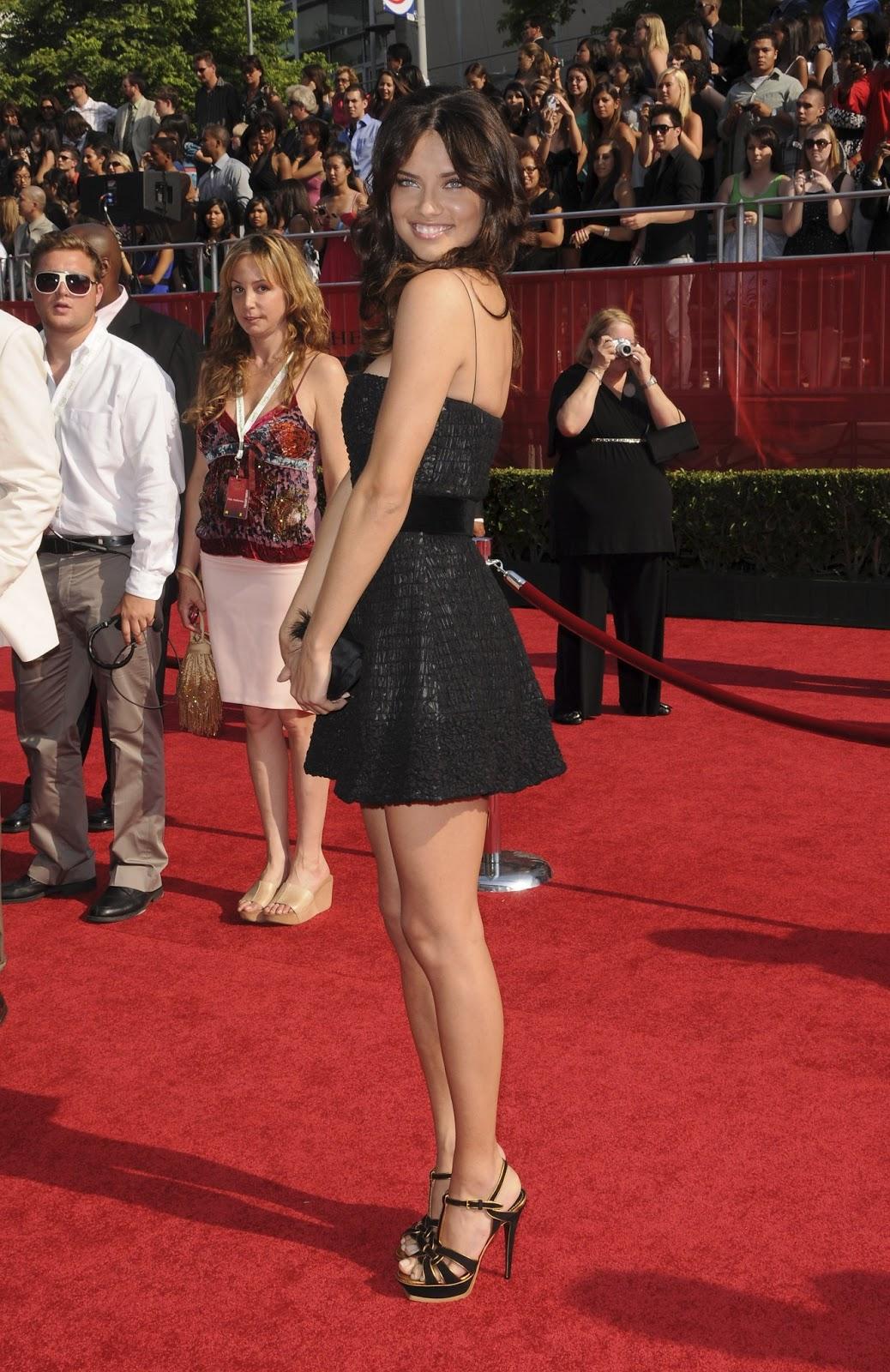 Adriana Lima naked celebrity pics - Celeb Nudes Photos
