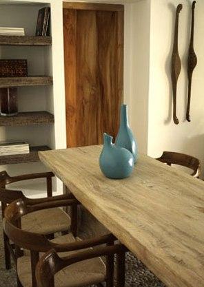 mesa de comedor de madera natural