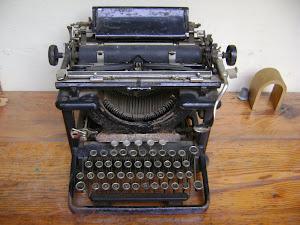 Maquina de escribir FCCA