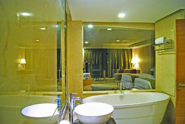kamar mandi hotel meritus