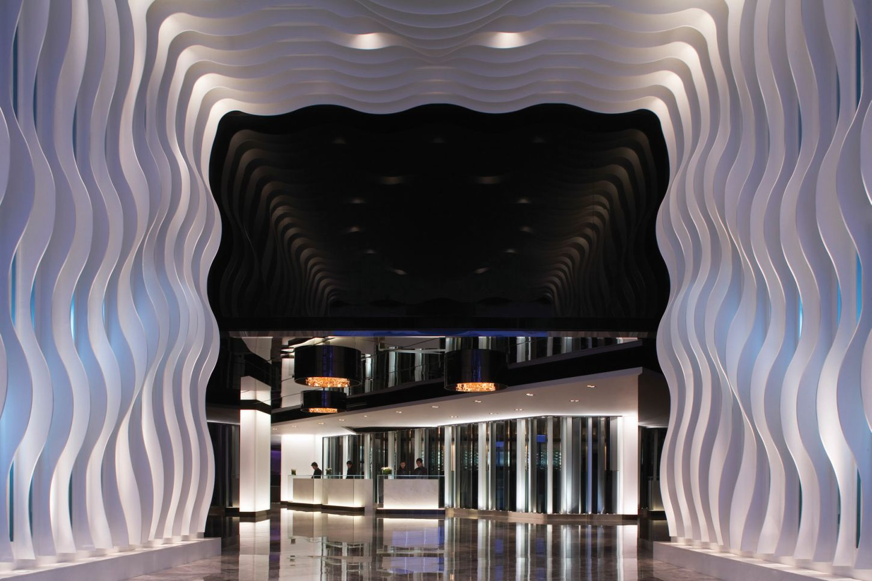 http://4.bp.blogspot.com/-zf5Pmc-kMH8/USHcLQTeWlI/AAAAAAAAGQ4/Ij8iBeODZeI/s1600/TMHK_Hotel+Lobby.jpg