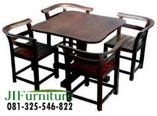 Set meja makan kafe