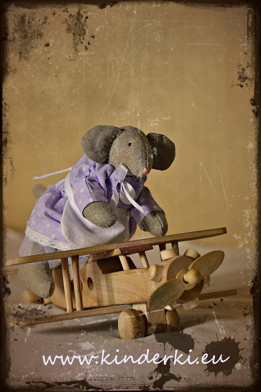mysz myszka bajeczka drewniany samolot drewniana zabawka hand made