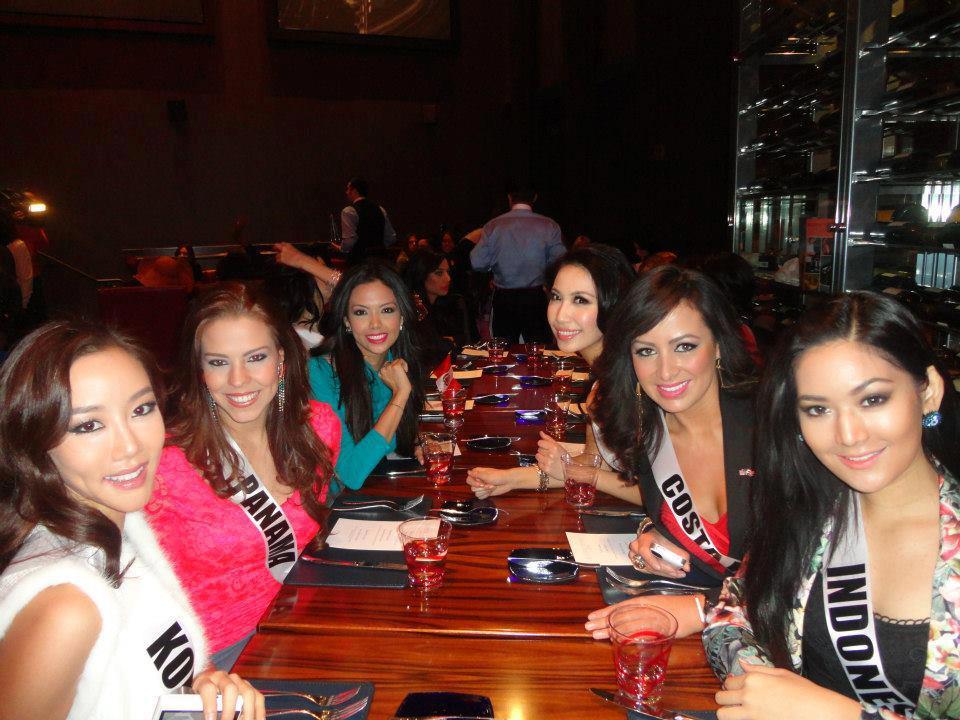Foto Seksi dan Hot Maria Selena Miss Universe 2012