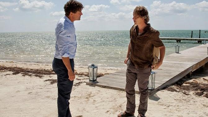 John y Danny conversan en una de las playas de su querida Florida