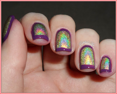 Flip-Flop-Challenge-Day-19-outline-nails-with-Layla-Hologram-Effect-Gold-Idol