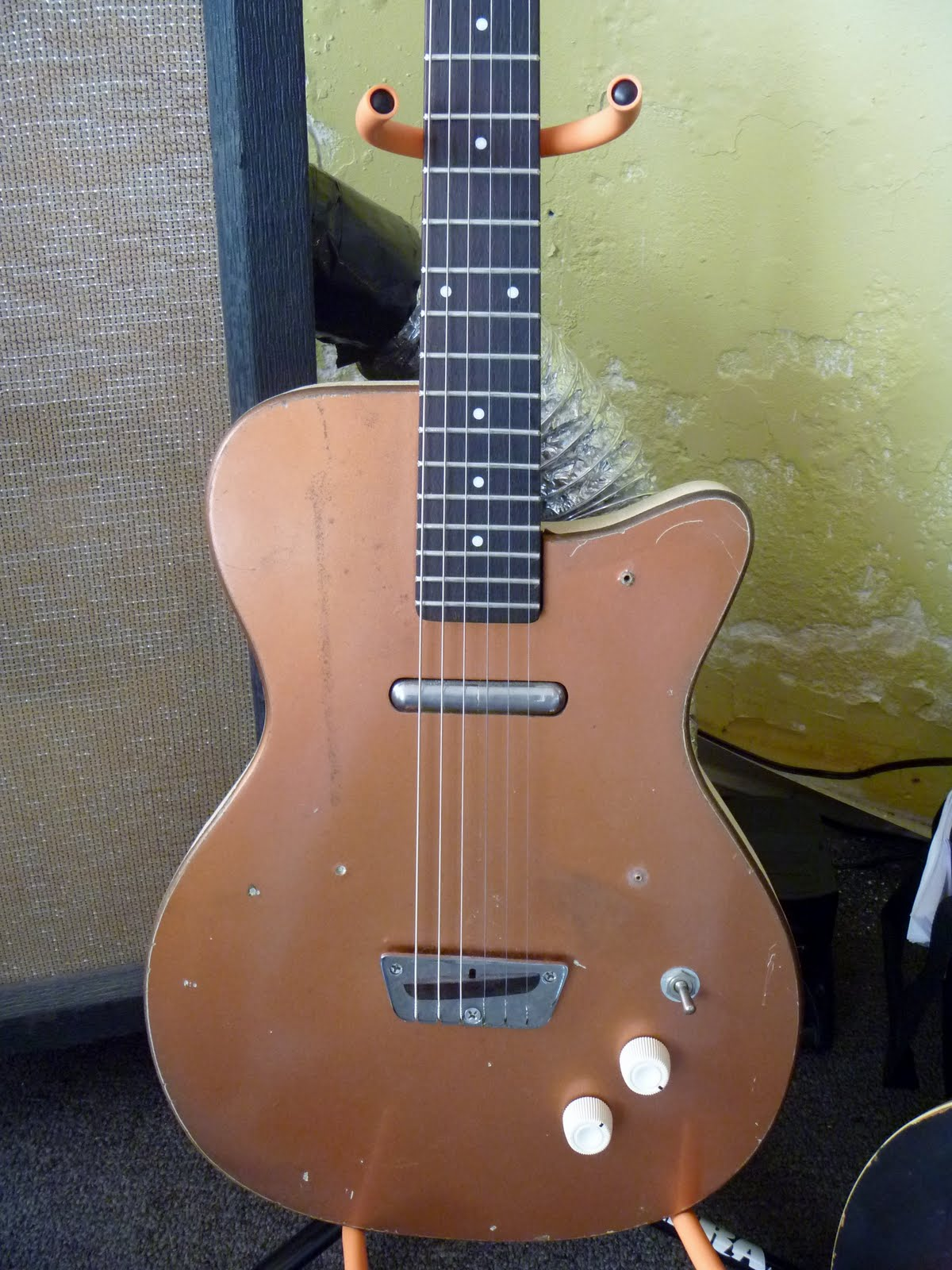 wood wire guitar shop blog silvertone 1415 rh woodandwireguitarshop com Sears and Roebuck Guitars Silver Tone Silver Tone Guitar Serial Numbers