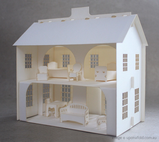 CHLOE SAMANTHA TURNER: POP UP PAPER DOLLS HOUSE!