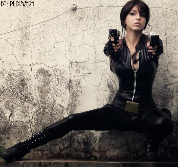 Gabriela Almeida Shermie deviantart cosplay beautiful girl games comics sensual Lara Croft catsuit
