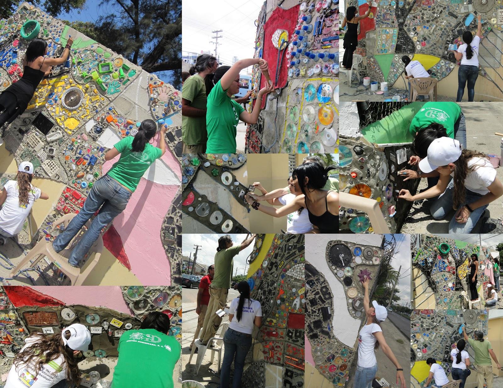 Comunidad mardom mural reciclado hogar escuela rosa duarte for Mural collage