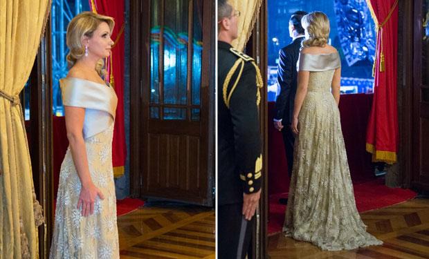 Angélica Rivera no sufre austeridad y usa vestido de más de 100 mil pesos- VIDEO