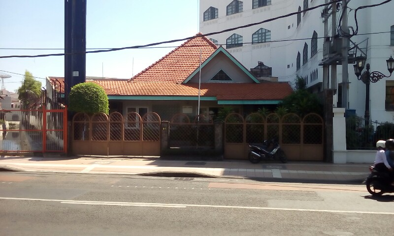 (IKLAN) Dijual Rumah Sangat Strategis di Jalan Raya Darmo Surabaya