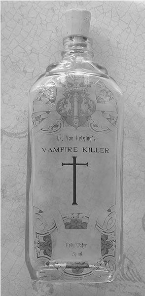 acqua santa anti-vampiro vampire killing holy water