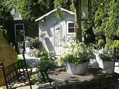 Shabby chic summer houses i heart shabby chic - Giardini country ...