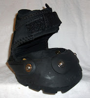 Mass Based Barefoot Hoofcare Provider Displaying the side view of an Easyboot Glove