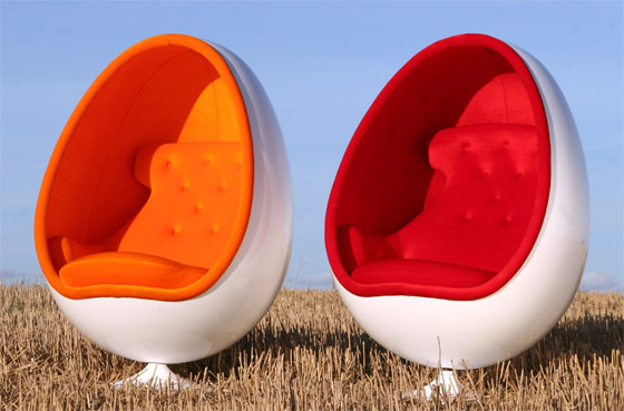 FRIED EGG CARPET BY VALENTINA AUDRITO 3. EGG CARTOON TABLE BY ATHEMA ARCHITECTURE 4. EGG CHAIR BY INMOD 5. EGG HOUSE BY dmvA 6. EGG BED BY GÜNTHER THÖNY & LITTLE.POP.MACHINE: (EGG) (SHAPED) (DESIGN)