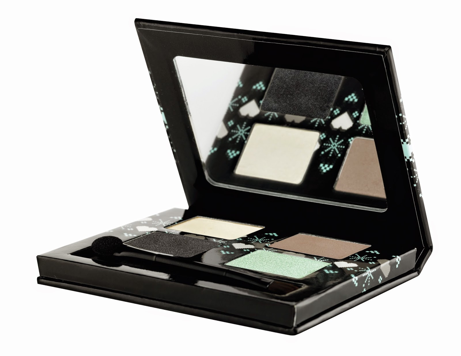 Must-Have Products This Christmas By The Body Shop - Enchanting Eyes Eye Shadow Palatte Dolly Pastels