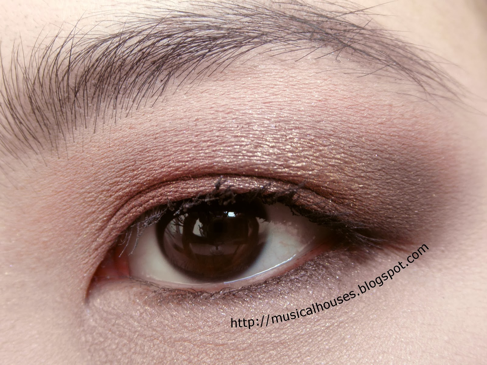 Pink, Gold and Brown Eyeshadow Look with Etude House Eyeshadows - of ...