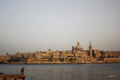 dfhoto publica tus fotos Foto panorámica de la ciudad de Valleta desde Sliema en Malta