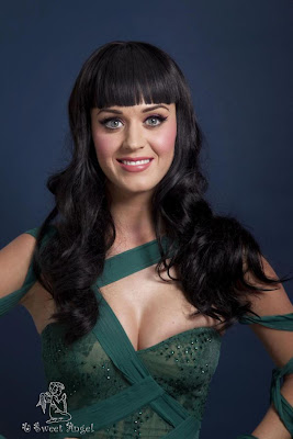 Singer Katy Perry Looking Cute