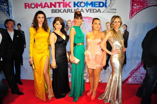Romantik Komedi 2 Gala Kiyafetleri