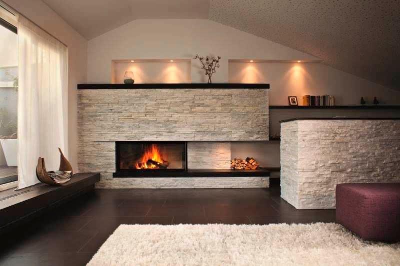 sempre classico il caminetto angolare, eleganza e semplicità per il ...