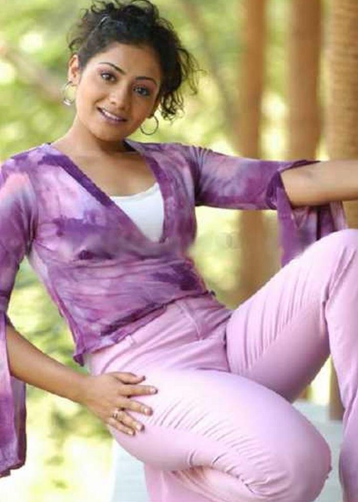 Hot And Spicy Celebrities South Indian Actress Meera Vasudevan Hot Picture Album
