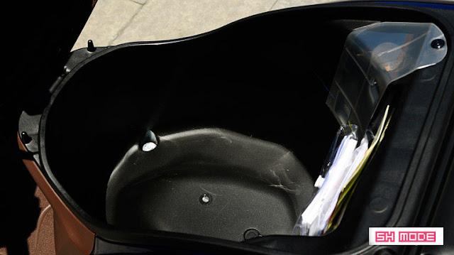 Cốp xe của Honda SH Mode 2013