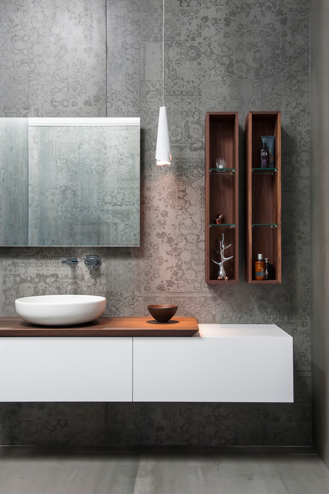 Minosa main bathroom meets powder room with stunning result for Main bathroom designs