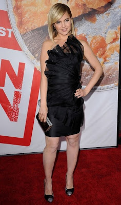 Mena Suvari Little Black Dress