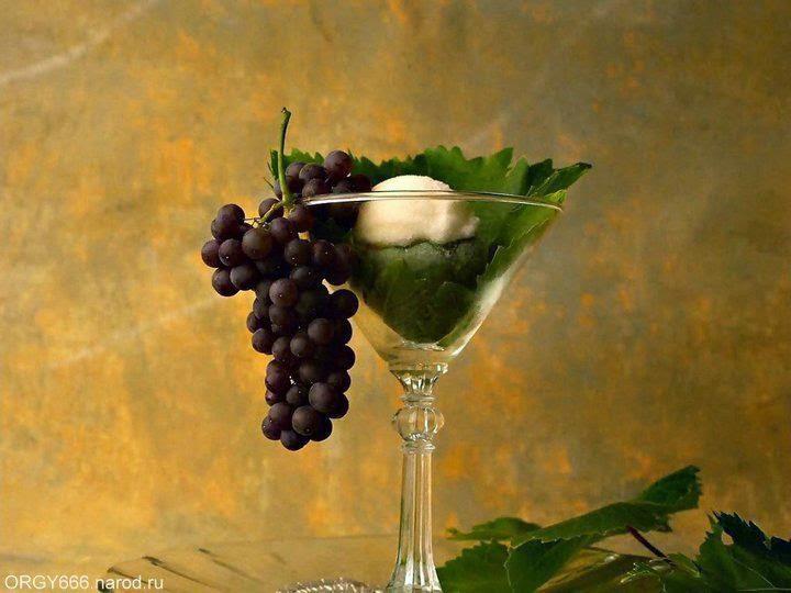 Beautiful Grapes Desktop Wallpaper