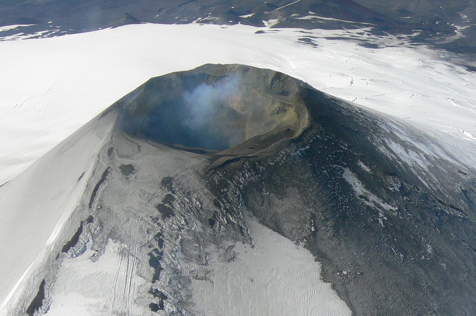 Vue aérienne du volcan Villarica au Chili