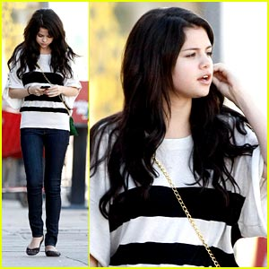 Lyrics Selena Gomez on Selena Gomez   Who Says Lyrics