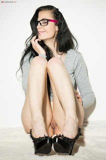 Nude Selfie - rs-glamour_cz_liba03009_hires-702644.jpg