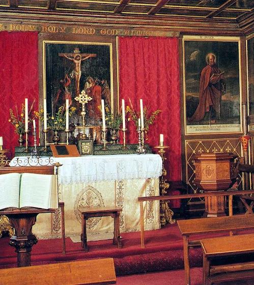 """Glamis: uma cadeira da capela está reservada  para o fantasma de Lady Janet, a """"Dama Cinza"""""""