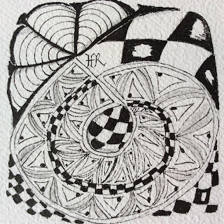 Zentangle, TanglePatterns String #85, Pinbawl, Knights Bridge, Dion, Light to go places