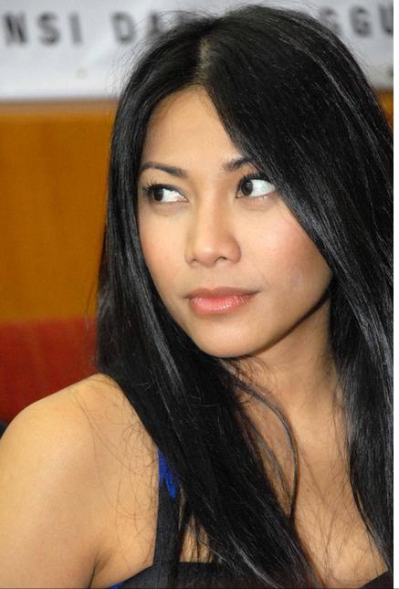 Lirik (.lrc) TTPOD Lagu Anggun