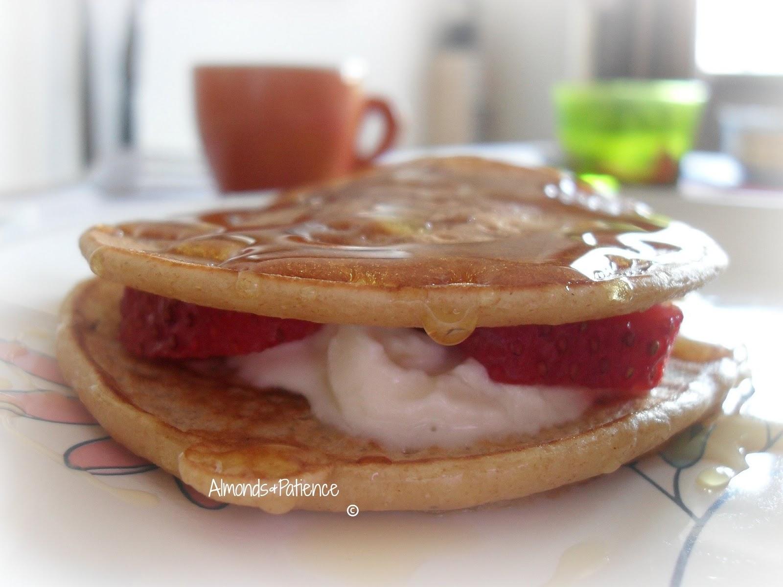Banana pancakes - Pancakes di banana | Almonds&Patience
