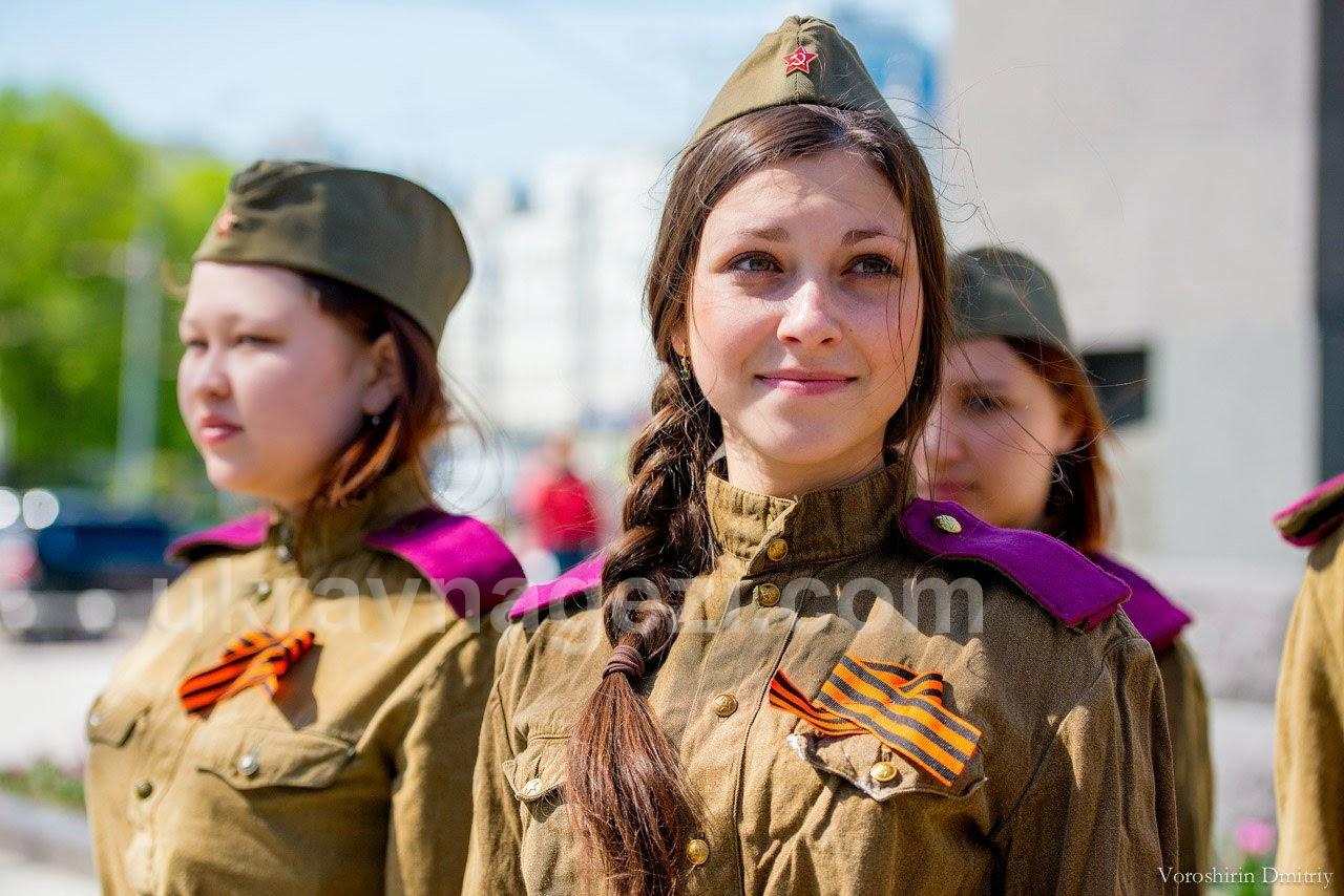 ukrayna-kiz-askerler