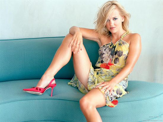 Anna Faris Actress Latest Wallpaper